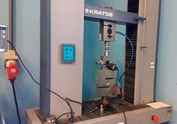 Máquina universal de ensaios mecânicos